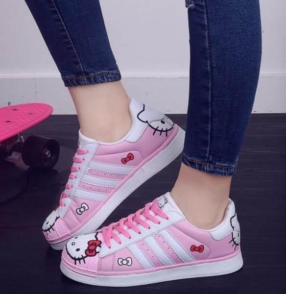 Sepatu Wanita Cats Hello Kitty