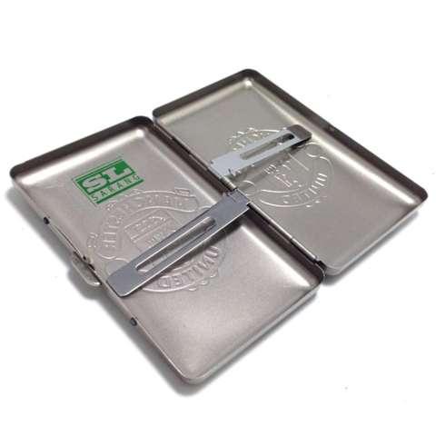 Tempat Kotak Rokok Kaleng Motif Timbul MU - Gold
