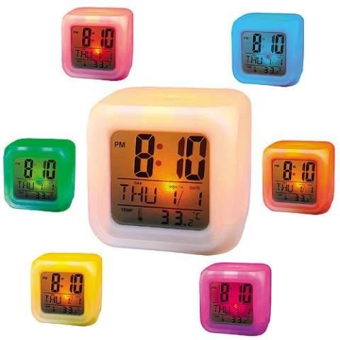 Moody Digital Clock Jam Weker Kotak Hiasan Lampu Meja 7 Warna ... 38b01ab987