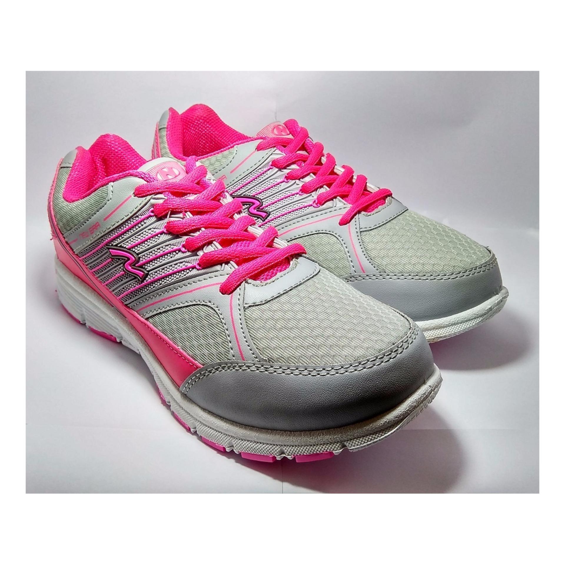 Sepatu Sneakers .