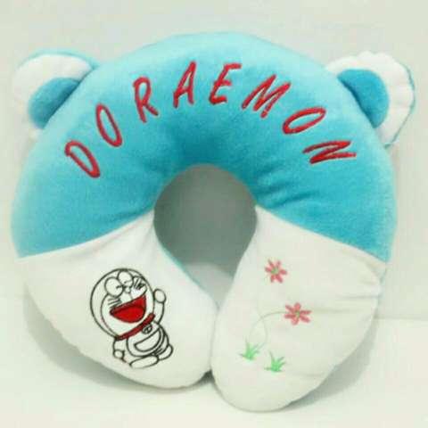 BANTAL Leher DORAEMON Biru Travel Pillow / Neck Pillow / Bantal Mobil / Bantal Travel /