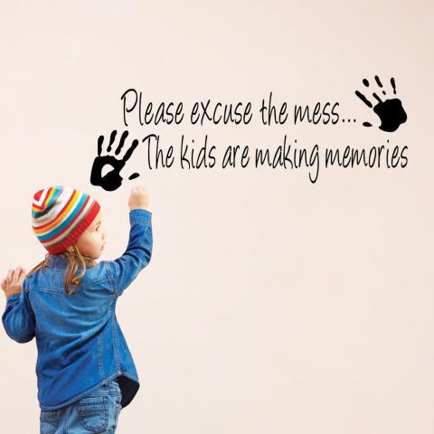 Maaf Berantakan Anak-anak Membuat Kenangan Kutipan Dekorasi PVC Stiker Tembok Kamar DIY 2
