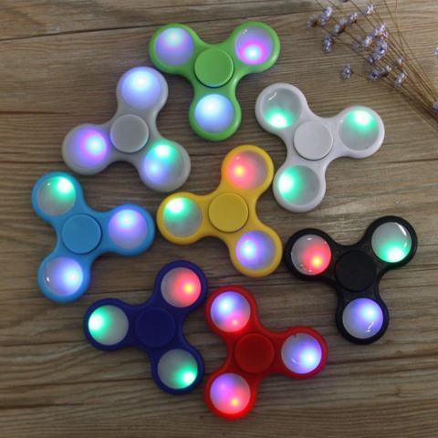 Fidget Spinner LED Light Hand Toys Tri-Spinner EDC Ball Focus Game Lampu LED Random