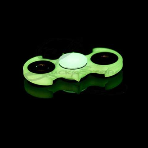... Hand Toys Focus Games / Mainan Spinner. Source · Harga Lucky Glow In The Dark Fidget Spinner Kelelawar Bat Man Glow In The Dark Series