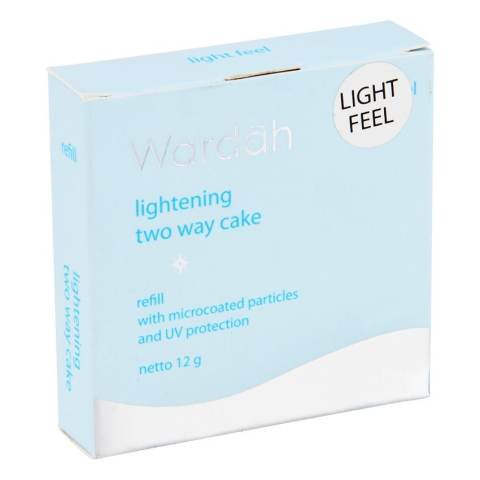 Refill Lightening Two Way Cake Light Feel 02 Golden Beige 12 g