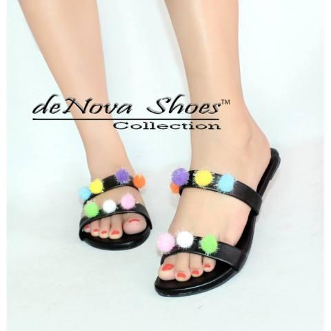 deNova Teplek Sandal sandal wanita Mini Pompom Multi Warna .