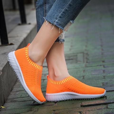 Beli Fashion Wanita Casual Sneakers Lembut Mesh Sport Menjalankan Outdoor  Flat Sepatu Harga Rp 240.000 fa7b273b26
