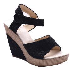 Femine Sandal Wanita Flat Casual MR Kepang Hitam . Source · Femine - Sepatu Sandal Wedges
