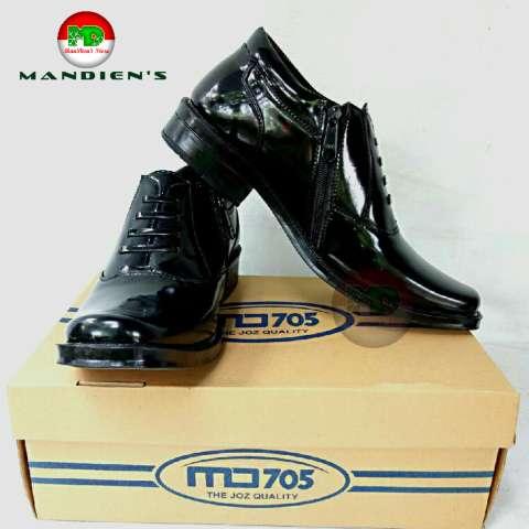 Man Dien Sepatu Pria Pantofel Pdh R 04 Big Size Super Kilat Hitam ... 50b6ddee5c