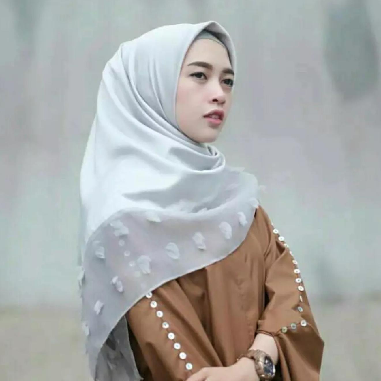 Penawaran Diskon Terbaik Jilbab Instant Siria Tammia Coksu Jualan Kerudung Instan Maula Hijab Square Segiempat Kombinasi Katun Dan Linen Ruby Rubiah