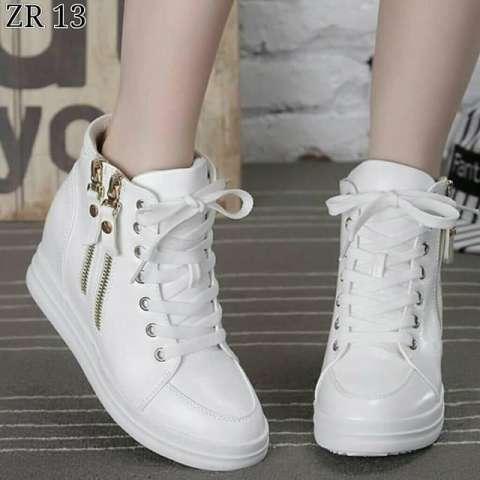 Baru Sepatu Hidden Wedges Mollyca Krem Glossy Daftar Harga Terbaru Source · murah  sepatu Boots Wanita 3cb33bd9e3