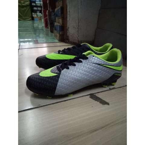 Sepatu Sepakbola Nik'e Flyknit Mercury Hypervenom