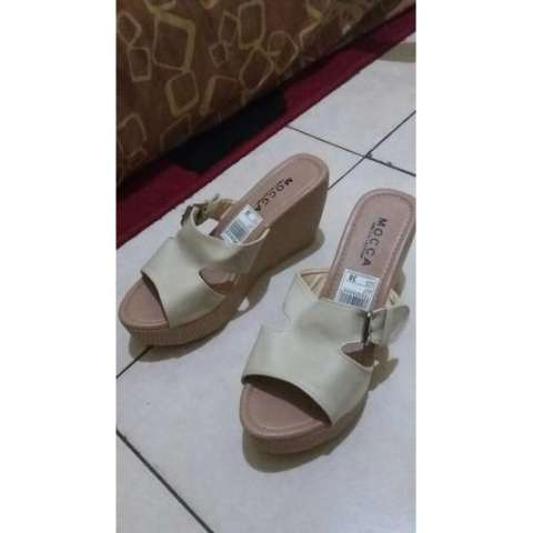 Sandal Wedges Wanita Bomi Tali Gesper Model Terbaru - Daftar Harga ... fe4b3e181f