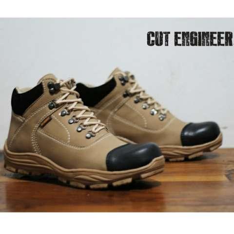 Sepatu Boots Tracking Outdoor Pria Terbaru - CUT ENGINER CE 06 - Krem