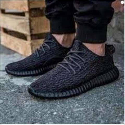 Sepatu Casual Trendy Tali HItam- SepatuYeezy Boost Man Pria Cowo Cowok  Terbaru Full Hitam bfb05d08f4