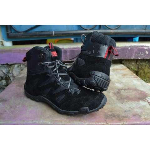 Sepatu Karrimor Gunung Tracking Hiking Adventure Sport Pendaki