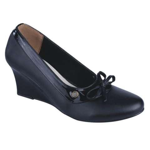 Sepatu Kerja Kantor Formal Pantofel Wedges Wanita Hitam Catenzo SM 271