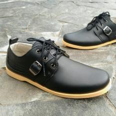Sepatu Kickers Gesper