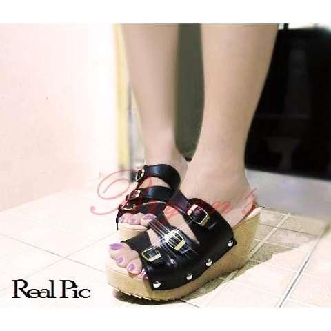Jual Sepatu Sendal Wedges Wanita Wedges Black Gesper 7b6g Harga Rp 90.900 1cc8741cf6