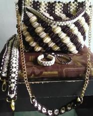 Tas tali kur motif kerang timbul kombinasi coklat cream dengan dua fungsi tali