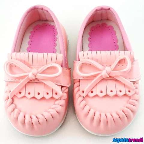 Home; TrendiShoes Sepatu Anak Bayi Perempuan Pita Elegan JVNRJT - Pink