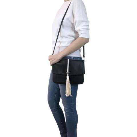Unlimited - Tas Clutch Sling Tassel Rumbai Bag Selempang Wanita Kulit  Sintetis - Hitam 17b8bd1335