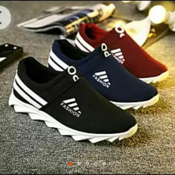 VINCE Sepatu Wanita Terbaru