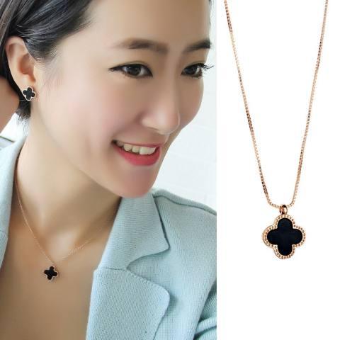 Empat Daun Rumput Kalung Korea Alami Cangkang Piring 18 K Emas Mawar Sederhana Wanita gaya Berkabung untuk Fall untuk Menghias Gaya Pendek Kunci Tulang Rantai-Internasional 2