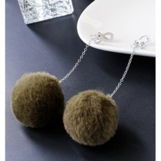 LRC Anting Jepit Lovely Fuzzy Ball Decorated Pom Earrings