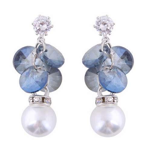 LRC Anting Tusuk Elegant Pearls&diamond Decorated Simple Earrings