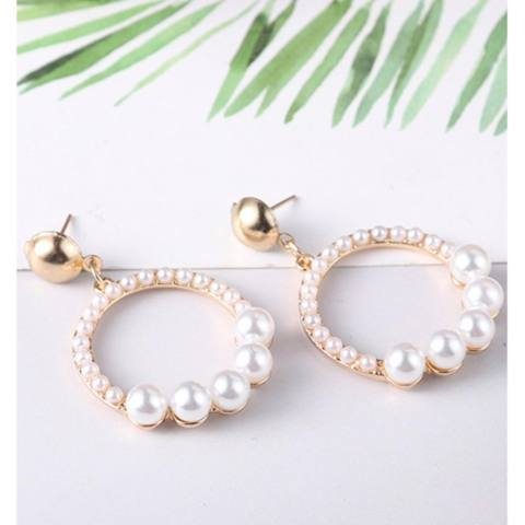 LRC Anting Tusuk Fashion Gold Color+white Circular Ring Shape Decorated Earrings
