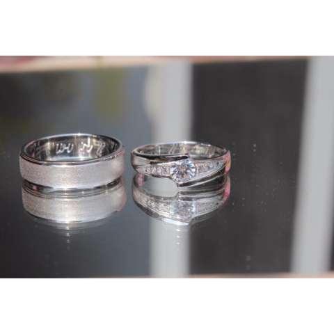 Perak 925 rhodium sepasang
