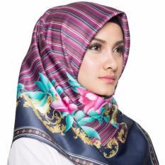 Hijabstore - Moshaict By Itang Yunasz AL 017 - Ungu Motif Bunga