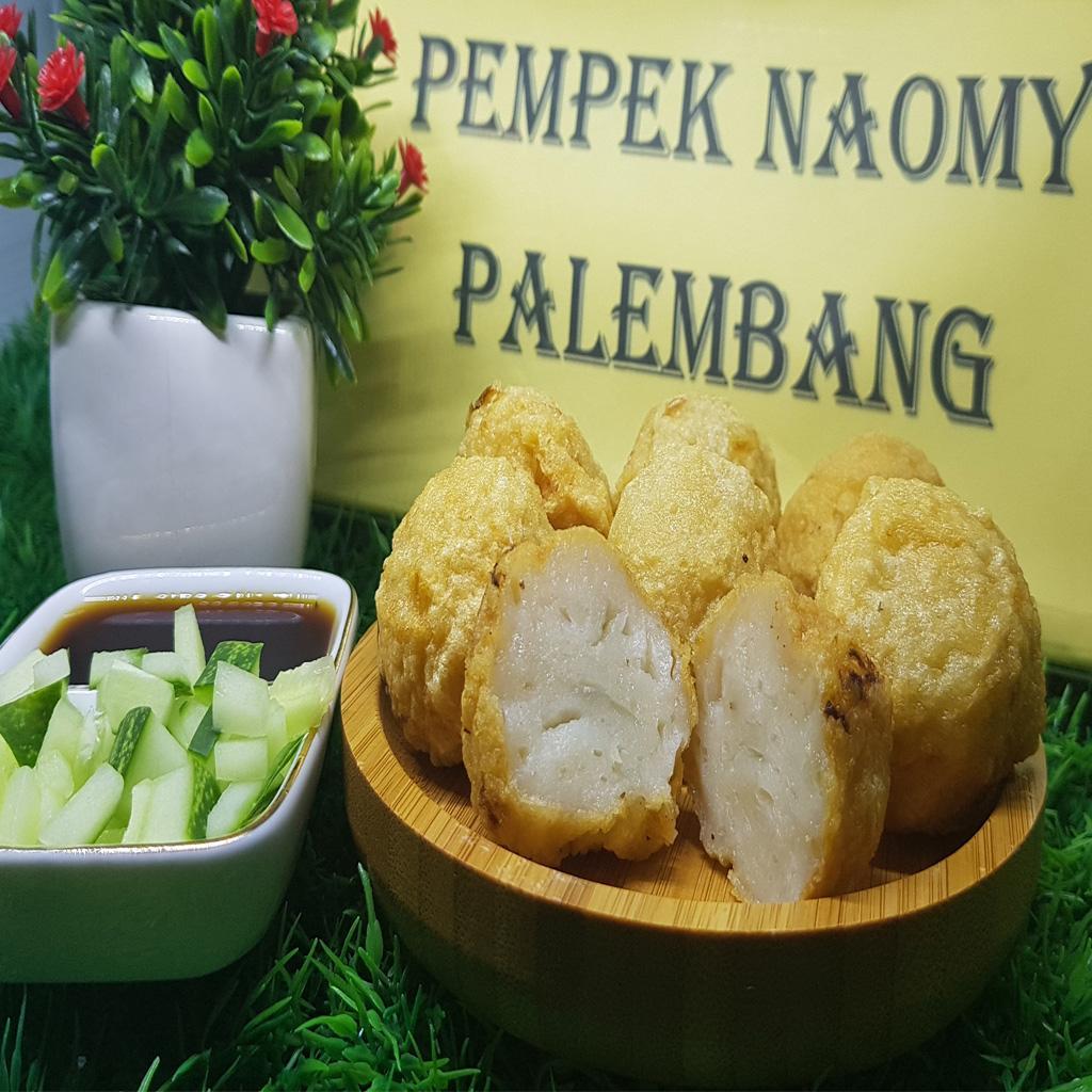 Pempek Naomy Palembang Bulat 100% Ikan tenggiri - isi 10 pcsRp35.000