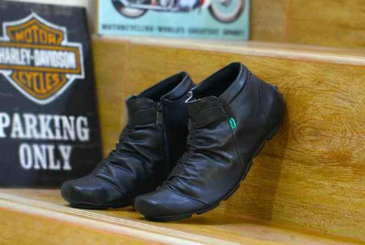 harga Sepatu casual kickers wringkle zipper Lazada.co.id
