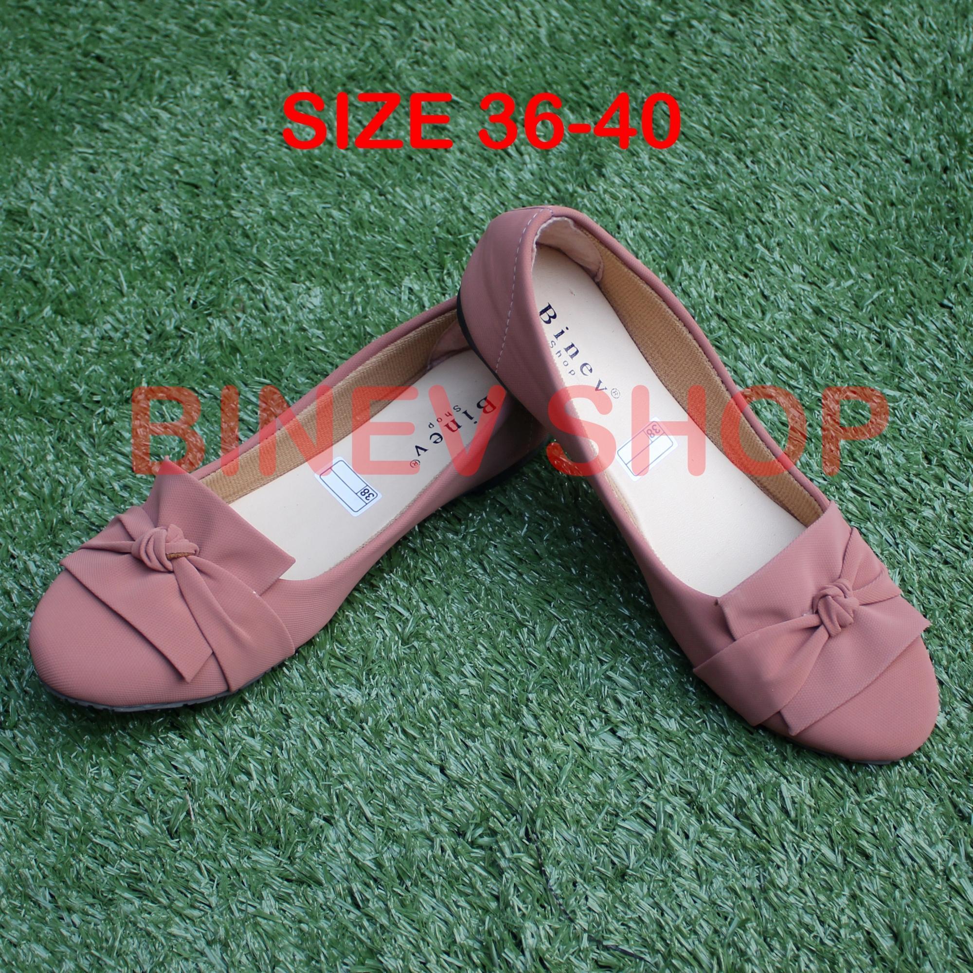 Binev Sepatu Slip On Wanita B 052 PITA BUNGA 02