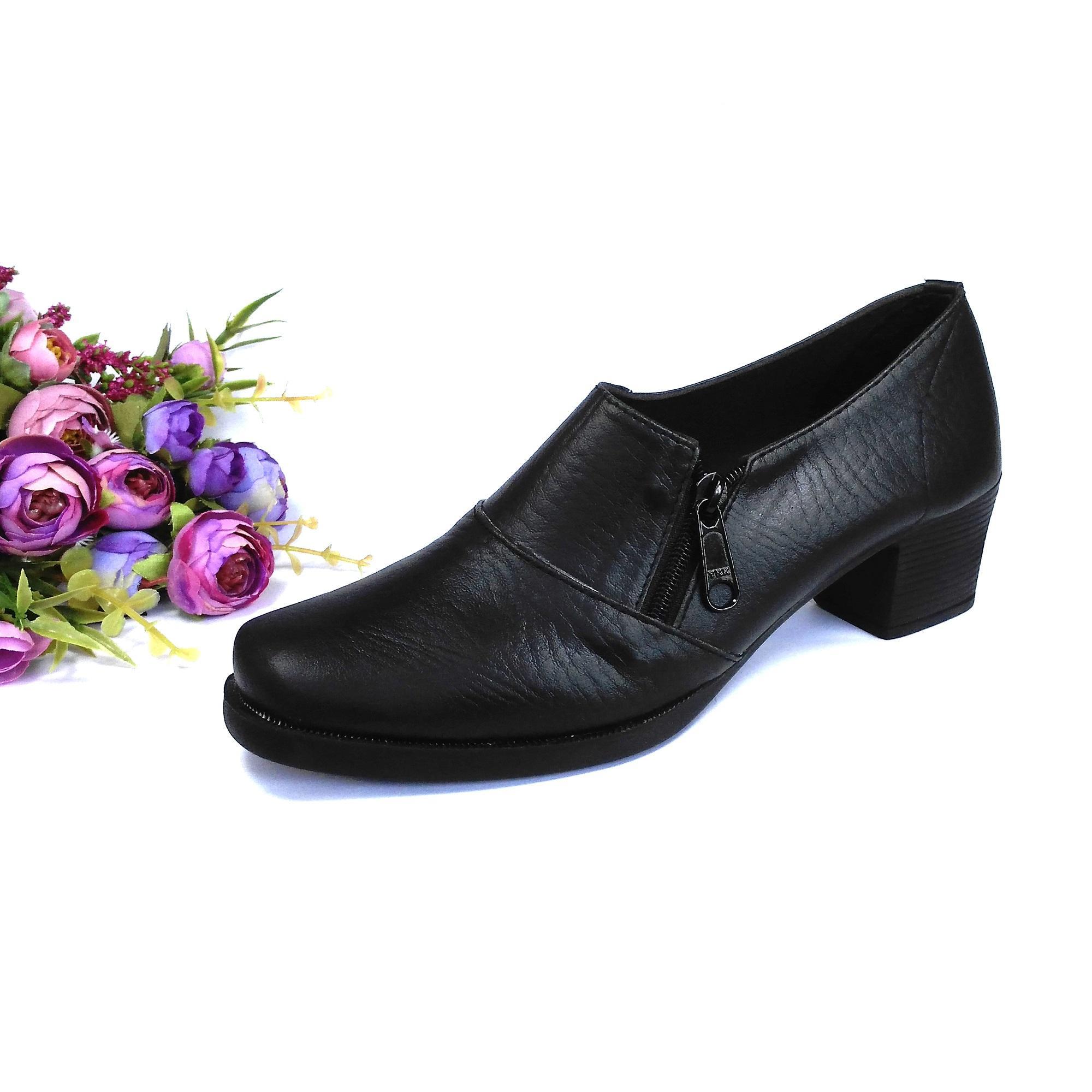 HQo Sepatu Pantofel Wanita   Sepatu Boot Wanita   Sepatu Pantofel Paskibra  Wanita Bertali   Sepatu. Ke Toko b3d73fccb0