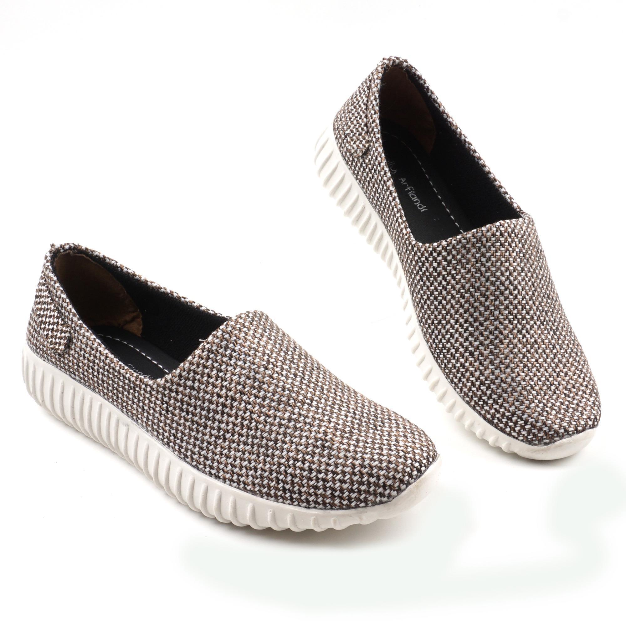 Ellen Grosir Sepatu Kets Wanita K.01 - Hitam . Source · Pluvia - Sepatu