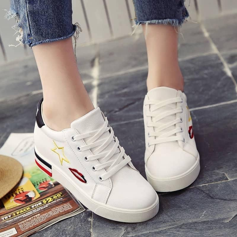 Kaisar- Sepatu wanita kets sneaker Red Lips [WHITE]