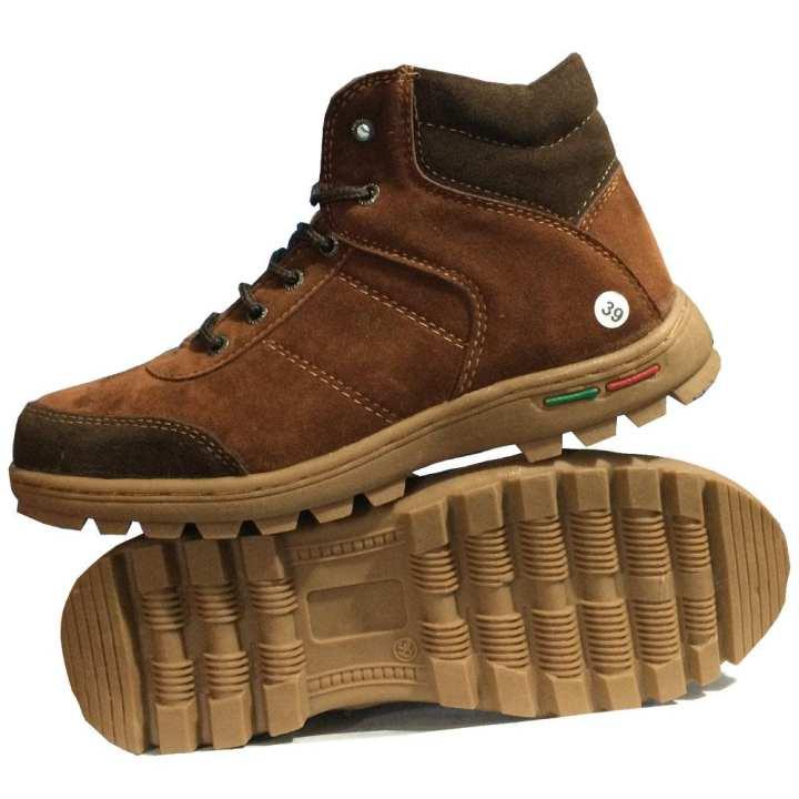 Shoes X EWN Sepatu Boots Pria / Sepatu Hiking / Sepatu