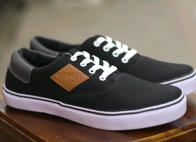 Sneakers Pria - Sepatu Casual - Sneakers Vans