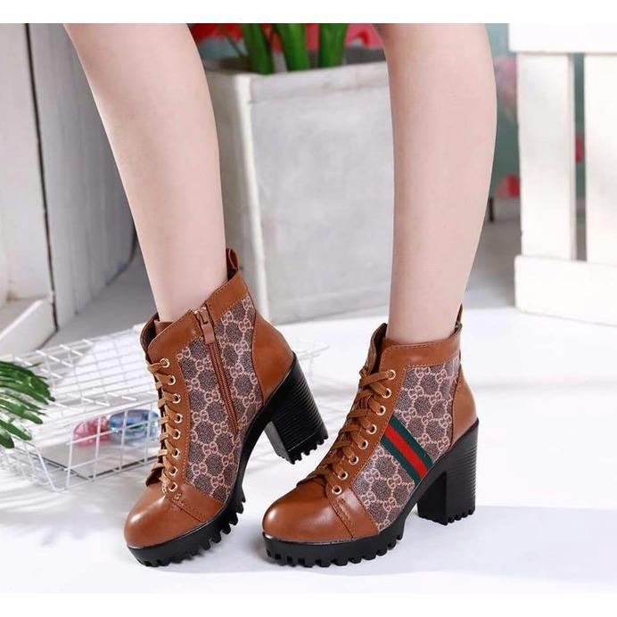 Sepatu Boots Heels Wanita SBO332 Tan