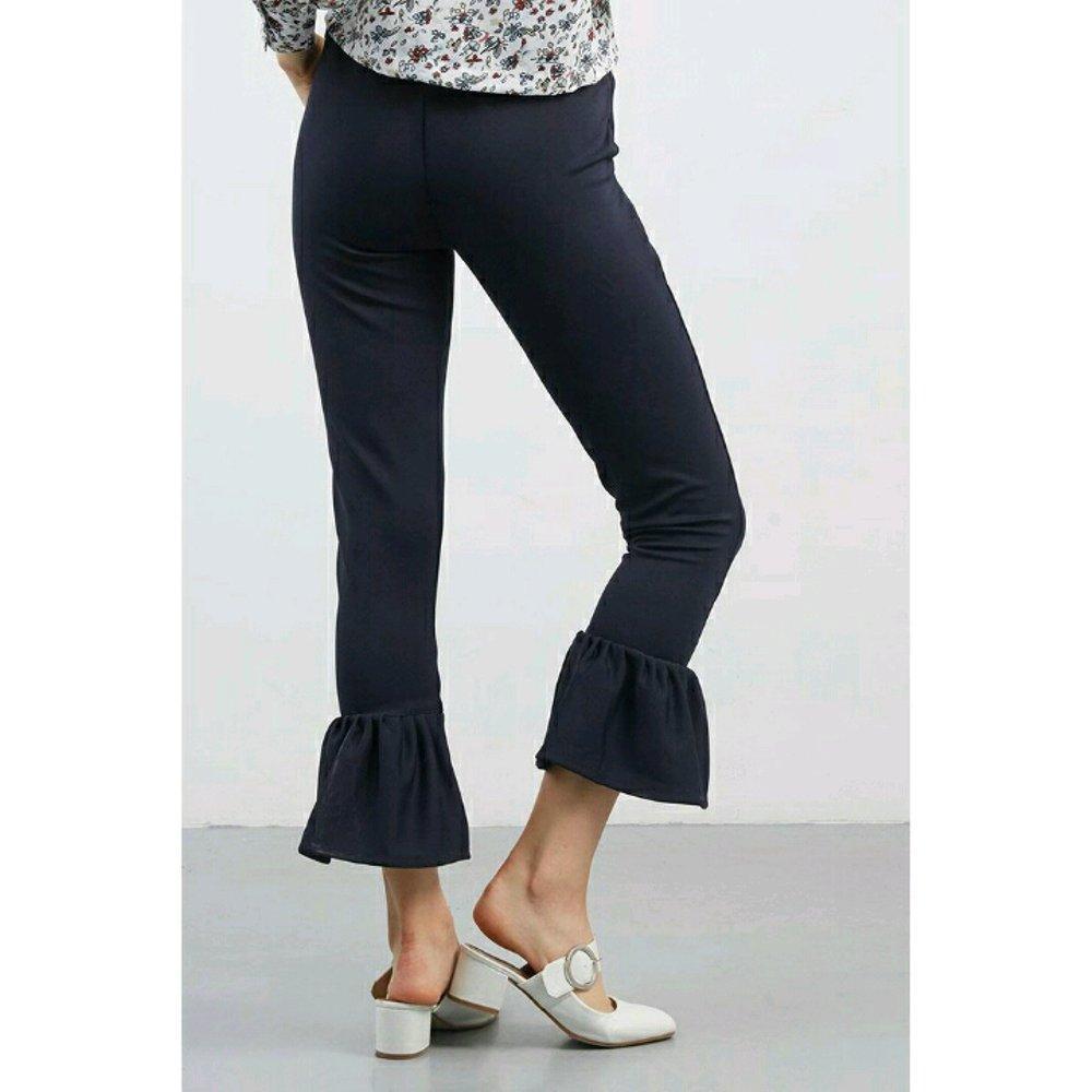Baby Talk Club Mermaid Pants - Celana Wanita Crepe Duyung Polos/Basic Mermaid Ruffle Pants