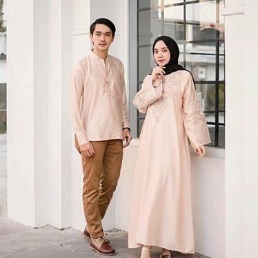 Arsarah Couple / Gamis brukat / Gamis Couple Murah / Baju Wanita / Baju Pria / Kemeja Couple / Baju Muslim Terbaru / Model Gamis Terbaru / Baju Couple Terbaru / Baju Couple / Baju Gamis Syari Wanita / Busana Pasangan Kompak / Baju Keluarga / Baju Sarimbit