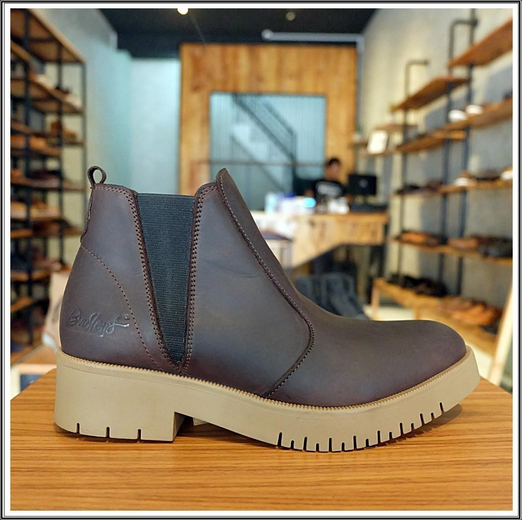 Sepatu Boots Wanita Premium Kulit Asli High Quality Model Terbaru - BRADLEYS AUDREY CH ORIGINAL - Black - Brown - Sepatu Boots wanita Boots Women Kulit Asli Best Quality
