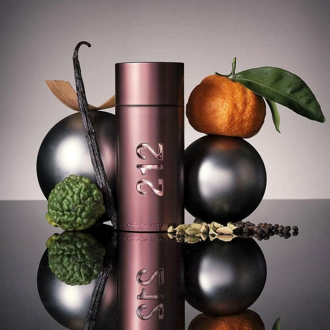 Parfum Pria CAROLINA HERRERA 212 SEXY MEN Original NonBox | Lazada Indonesia