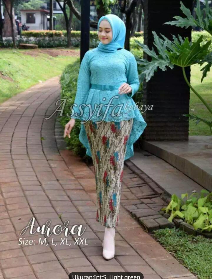 Nadira Collektion Setelan Kebaya AURORA brukat Modern Hijab Remaja Style Modis Cantik BrokatSetelan pakaian baju kebayakebaya tradisional/kebaya wisuda/kebaya keluarga/kebaya brukat aurora furing & prisket terbaru Warna Light Green