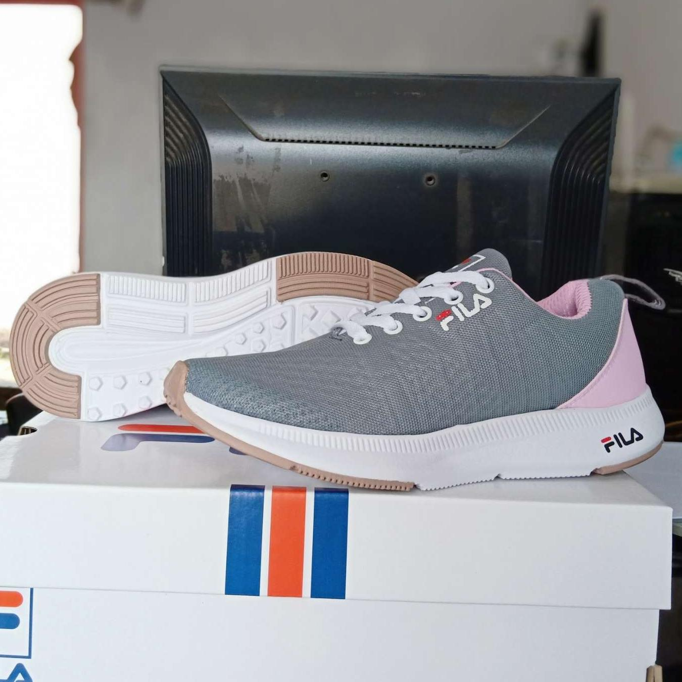 Grey-Sepatu sneakers wanita kets fila.Sepatu kets Sepatu kasual.Fashion  wanita. b127119142