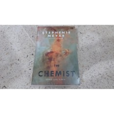 Novel The Chemist Sang Ahli Kimia Stephenie Meyer Gramedia Diskon
