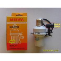 Fitting Lampu Sensor Cahaya Otomatis Meiwa - 995Cb9